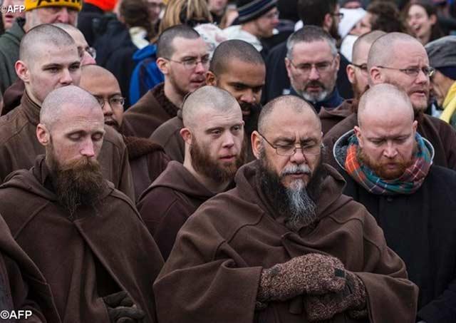 Franciscanos reunidos en el vaticano con el Papa Francisco
