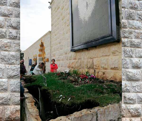 Tumba original de San Charbel de donde provino la luz misteriosa