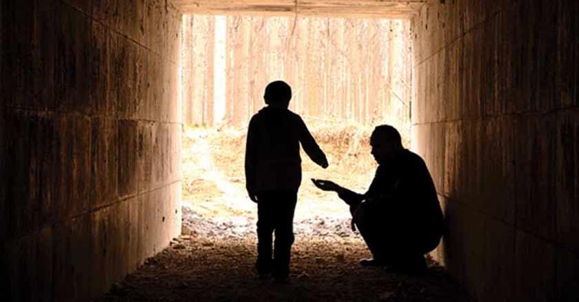 como ser santos en las cosas pequenas insignificantes donando persona sin techo