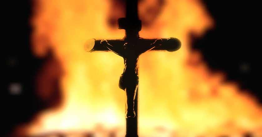 cruz en llamas jesus viene traer fuego al mundo division ardiendo
