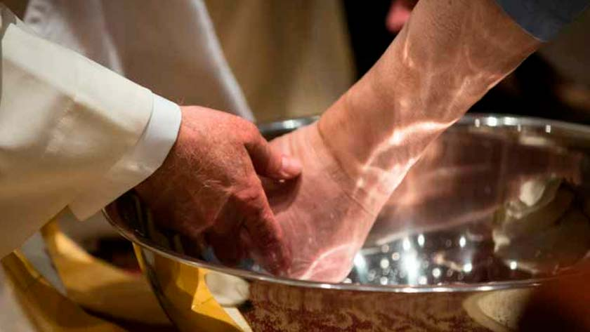 lavatorio de los pies en jueves santo significado