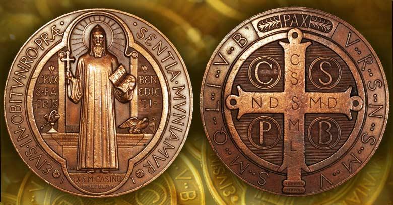 medalla y cruz de san benito exorcismo bendicion frotal reverso