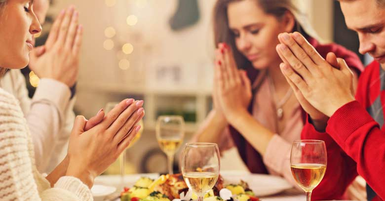 orar rezar bendecir agradecer alimentos comida
