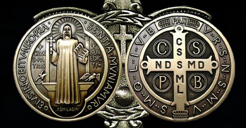 924652191bf El poderoso significado liberador de la Cruz y Medalla de San Benito