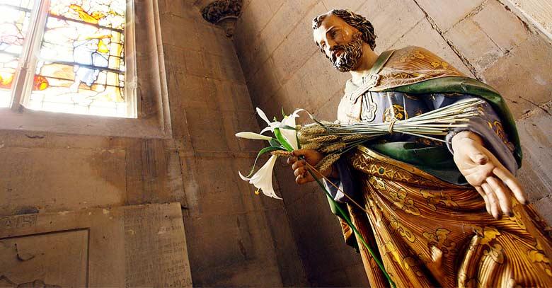san jose iglesia estatua
