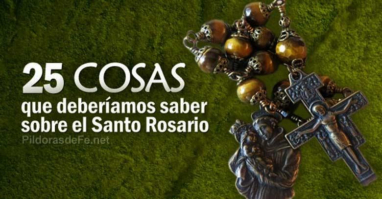 santo rosario cruz de metal fondo verde