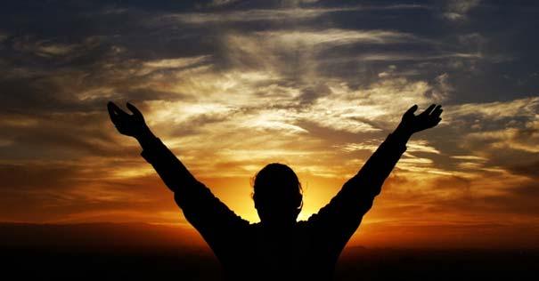 secreto del triunfo felicidad manos abiertas amor dios