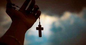 rosario en mano oraciones de liberacion no son exorcismo
