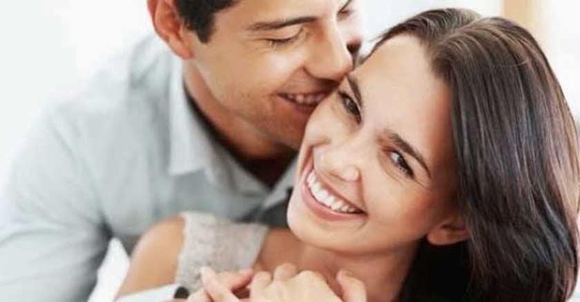 esposos felices esposa feliz esposo alegre matrimonio unido pareja sonriendo