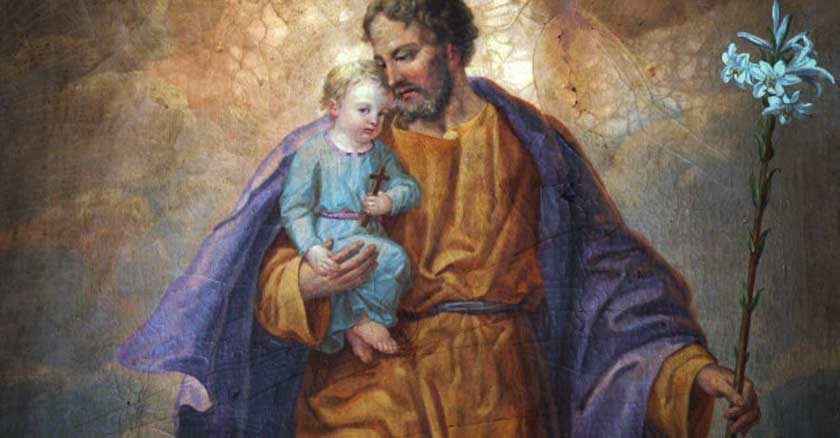 mural san jose padre de familia sostiene a jesus bebe nino jesus