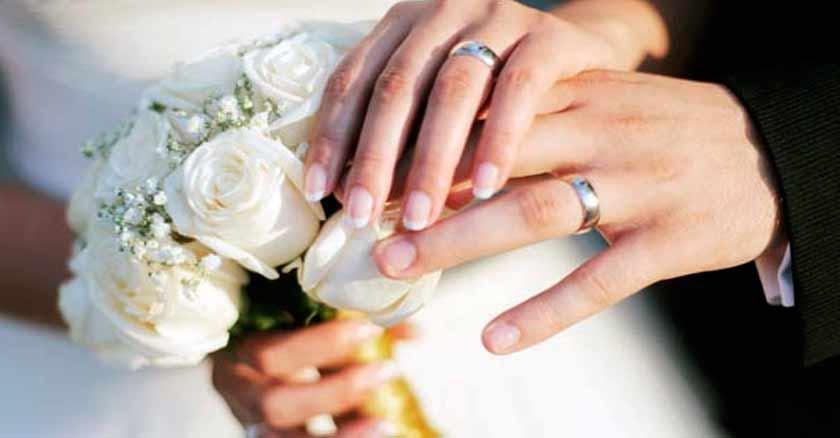 promesas-en-el-matrimonio-para-mantener-el-amor-esposos-tomados-de-la-mano-boda.jpg