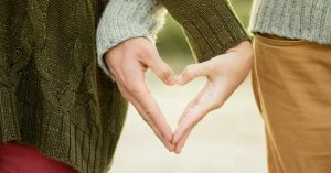 hombre mujer manos corazon errores comunes matrimonio