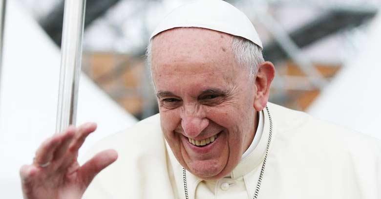 papa francisco gran sonrisa sonriendo