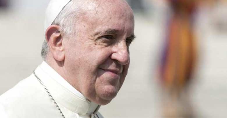 papa francisco perfil rostro