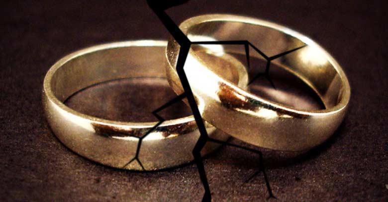 anillos de boda grieta matrimonio en problema