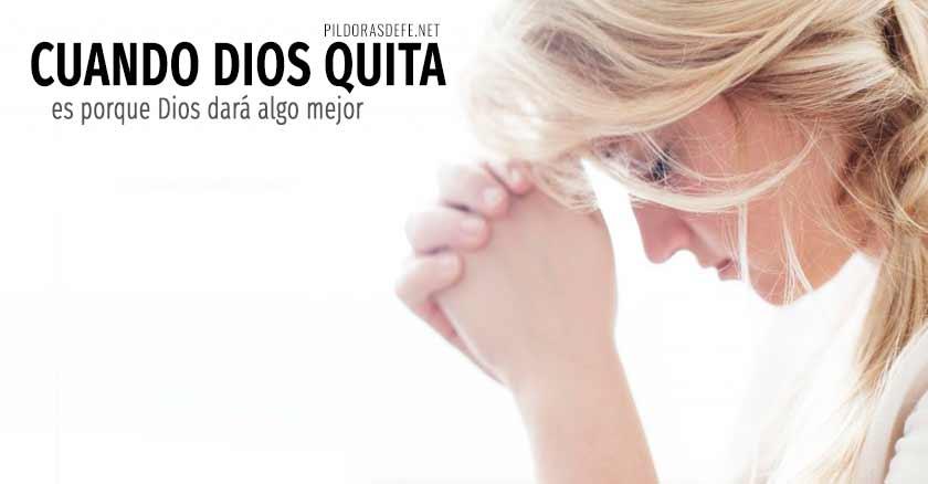 cuando dios quita es porque dios dara algo mejor mujer rezando