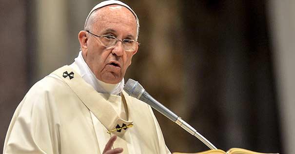 Papa Francisco: Un Buen Sacerdote Huye Del Poder Y Del Dinero