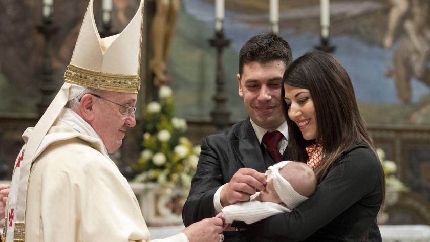 papa francisco inaugura familia amoris laetitiapng