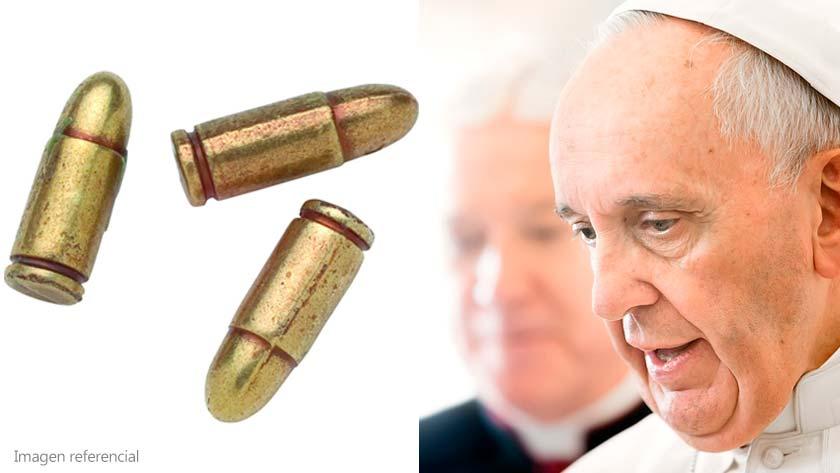 papa-francisco-interceptan-sobre-carta-al-papa-con-tres-balas-interior-santo-padre.jpg