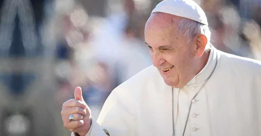 papa-francisco-levanta-su-pulgar-ok-frases-del-papa-francisco-ser-verdadero-cristiano.jpg