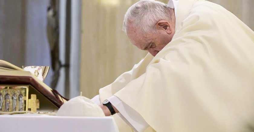 papa-francisco-oracion-contra-violencia-terrorismo.jpg