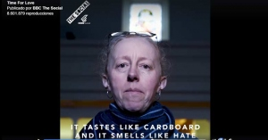bbc video homofobia se burla de la eucaristia huele como a odio