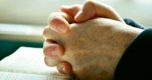 letanias de la humildad sanar soberbia orando manos juntas