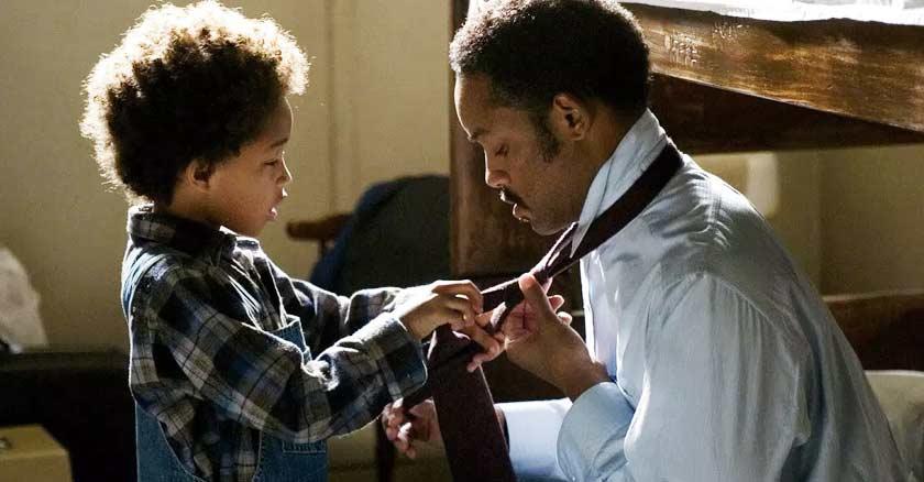 will smith con su hijo escena alcanzando la felicidad ayuda corbata papa