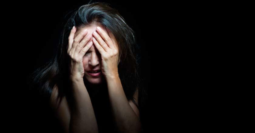 encontrar-a-Dios-en-el-sufrimiento-el-dolor-en-la-prueba-mujer-triste-angustia.jpg