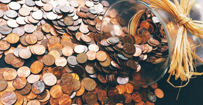 jarron-de-monedas-la-idolatria-del-dinero-que-el-dinero-no-te-posea.jpg