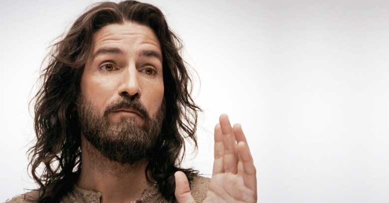 jesus pasion de cristo dando discurso predicando