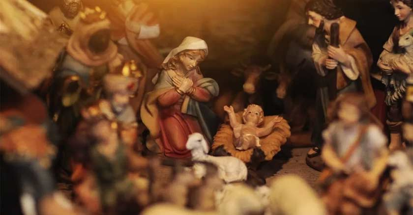 nacimiento de jesus navidad pesebre pequenas figuras maria san jose nino jesus