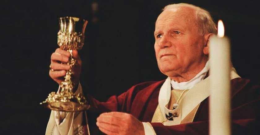 san-juan-pablo-ii-eucaristia-es-el-sacramento-del-amor-por-excelencia.jpg