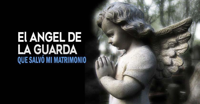 angel de la guarda pequeno angel estatua fondo negro y bosque